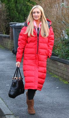Chilly on the cobbles! Catherine Tyldesley, 32, lead the glamour among the Coronation Stre...