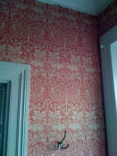 Ideas For Wallpaper Blue Texture William Morris Arts And Crafts For Teens, Art And Craft Videos, Arts And Crafts House, William Morris Wallpaper, Morris Wallpapers, William Morris Tapet, Arts And Crafts Interiors, Colorful Interiors, Whatsapp Wallpaper