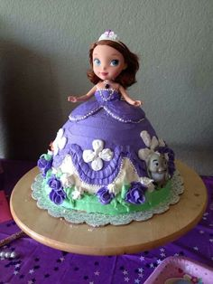 Sofia the first cake I made for my daughter's 5th birthday :)