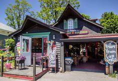 Nova Scotia's South Shore: Historic Lunenburg and charming Mahone Bay East Coast Travel, East Coast Road Trip, Ottawa, East Coast Canada, Nova Scotia Travel, Acadie, Canadian Travel, Canadian Rockies, Atlantic Canada