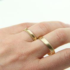 Eheringe - Trauringe Eheringe in Gold mit Kügelchenring - ein Designerstück von JuliaSchaefer bei DaWanda