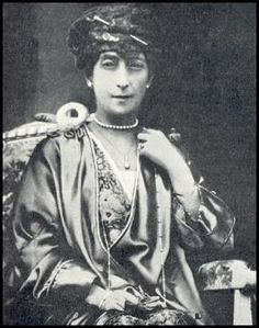 Queen Maud in a lovely hat