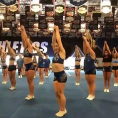 Easy Cheer Stunts, Cheer Jumps, Cheerleading Workouts, Cheerleading Photos, Cheer Workouts, Football Cheerleading, Cheer Athletics, Cheer Dance Routines, Cheer Moves