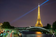 Paris Pulsar by Daniel Cheong on 500px