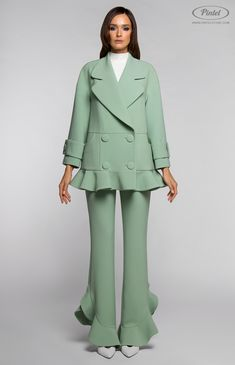 Double-breasted long sleeve boxy flounced jacket with side pockets. Slim-fit sleeveless maxi-jumpsuit with bottom flounced pants. Hidden back zip closure. On the photo: model is wearing a size S and is 180 cm. Suit Fashion, Hijab Fashion, Fashion Dresses, Womens Fashion, New Hijab, New Mode, Fashion Sewing, Suits For Women, Double Breasted