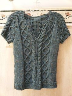 Ravelry: Project Gallery for Valpuri pattern by Berroco Design Team made in New Tweed