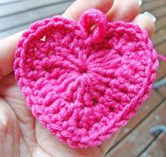 Virkattu sydän Free Crochet, Knit Crochet, Crochet Hats, Craft Gifts, Handicraft, Projects To Try, Crochet Patterns, Valentines, Bows
