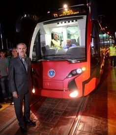 İlk yerli Tramvay İpekböceği test için Bursa caddelerinde