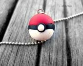 Pendentif Petite Poke Ball de pokemon : Pendentif par geekmania