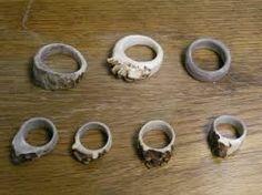 Afbeeldingsresultaat voor jewelry made from deer antlers Deer Antler Jewelry, Deer Antler Crafts, Deer Antler Ring, Antler Art, Deer Antlers, Spoon Jewelry, Jewelry Crafts, Jewelry Ideas, Bones