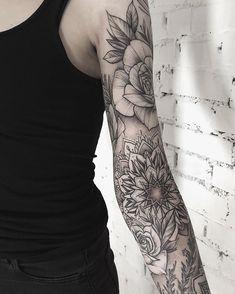 Search inspiration for a Blackwork tattoo. Tattoo Sleeve Filler, Mandala Tattoo Sleeve, Tattoo Sleeve Designs, Future Tattoos, Love Tattoos, Body Art Tattoos, Hand Tattoos, Alex Tabuns, Piercing Tattoo