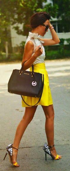 Michael Kors Outlet Handbags Hot Sale, 2015 Cheap MK Purses Wholesale Price For Womens Fashion Bags. Moda Fashion, Runway Fashion, Fashion Models, Fashion Tips, Fashion Design, Fashion Trends, Women's Fashion, Fashion Outfits, Casual Outfits