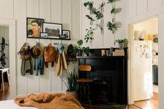 Baton Rouge Rental House Tour Photos | Apartment Therapy Bedroom Fireplace, Fireplace Mantle, Living Room Bedroom, Studio Apt, Kitchen Paint Colors, Creative Storage, Linen Duvet, Dream House Plans, Living Spaces