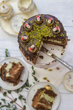Mozartkugel Torte mit Marzipancreme, Pistazien - Sahnecreme und Nougat Zartbitter Ganache