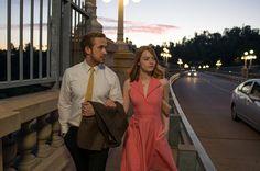 La la land es una comedia musical ubicada en Los Ángeles, la ciudad sirve de escenario para los encuentros y desencuentros entre Mia la eterna aspirante a actriz que ...