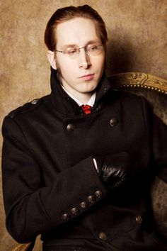 Steampunk..............wonder if I could get my husband to dress like this?