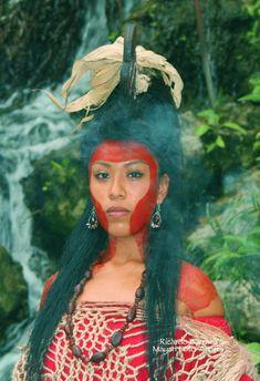 """Lady Twelve Macaw"" Media: Original Mayan Art by Ricardo Barraca Location: Tikal Northern highlands of Guatemala ""Lady Twelve Macaw"" was a Woman Ma. Maya Civilization, Ancient Aztecs, Aztec Art, Mesoamerican, Native American Women, We Are The World, Animal Design, Architecture Art, Lady"