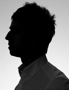 noel gallagher - silhouette