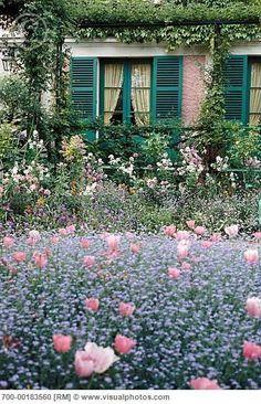 A Visit to Monet's Garden at Giverny - Weekend Getaway from Paris: Giverny, France. (Monet's Garden) - Beautiful Gardens, Beautiful Flowers, Beautiful Places, Fresh Flowers, Monet Garden Giverny, Giverny France, Exterior, Garden Cottage, My Secret Garden