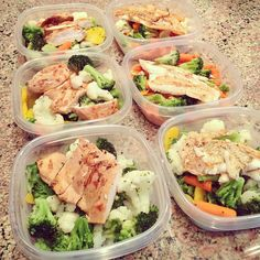 Can you say Meal Prep? Making meal boxes with 2 cups veggies and 4oz of either grilled chicken or fish! #SkinnyFoxDetox [ SkinnyFoxDetox.com ]