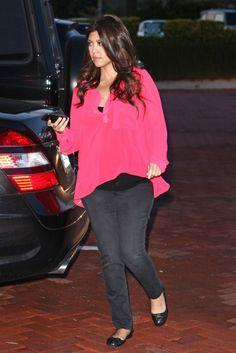 b9fcf1f0d7418 Kourtney Kardashian Celebrity Maternity Style, Celebrity Style, Kardashian  Style, Kourtney Kardashian, Scott