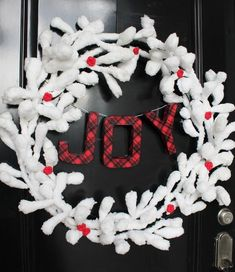 Super cute and fully customizable varied color yarn wreath Perfect for farmhouse decor and for year round decorating!