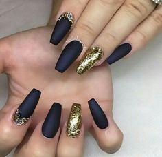 Preto e dourado