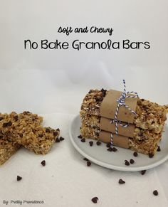 Homemade, No Bake, Granola Bars {by www.prettyprovidence.com} These granola bars are amazing! So easy, totally customizable to what you love and my toddler loves them, woo hoo!