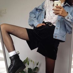 @ambiguousgrae // bold and bright // chaotic neutral // grunge // androgynous // aesthetic // fashion // pale // photography