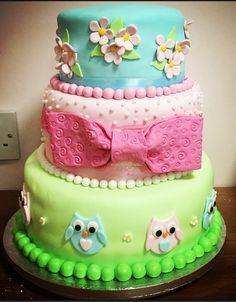 3 tier owl cake Kokos Cupcakes, Owl, Desserts, Tailgate Desserts, Deserts, Owls, Postres, Dessert, Plated Desserts