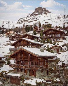 Beautiful Chalets in Verbier, Switzerland ❄️