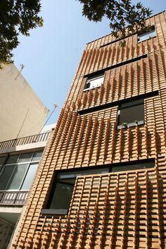 Brick Pattern House,Courtesy of Alireza Mashhadmirza