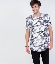 Camiseta Floral Request | $29