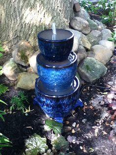 How to build a small water fountain ********************************************* jparisdesigns - garden gardens water feature fountain DIY - tå? Small Water Fountain, Water Fountain Design, Diy Fountain, Yard Art, Design Fonte, Garden Water Fountains, Outdoor Fountains, Water Gardens, Homemade Water Fountains