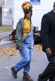 Rihanna arriving at the Ocean's 8 Set in NYC (Nov. 4)