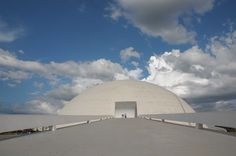 Museu Nacional Honestino Guimarães (1999-2006) - Brasília, DF | Oscar Niemeyer