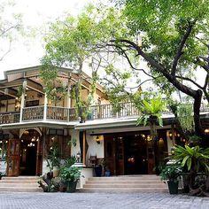 #SukhumvitSoi14 #HemingwaysBarandRestaurant #KhlongToei #Bangkok #MyKrungthep Bangkok, Thailand, Mansions, House Styles, Instagram, Home Decor, Decoration Home, Room Decor, Fancy Houses