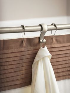 Hanging bathroom storage ideas to maximize your small bathroom space 27 - GODIYGO. Shower Curtain Rods, Shower Rod, Shower Curtains, Curtain Hangers, Diy Curtains, Shower Doors, Small Rooms, Small Spaces, Small Bathrooms
