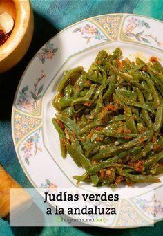 Receta de judías verdes a la andaluza, un ligero y sabroso plato de judías verdes preparado con pimiento, ajo y pan por Karlos Arguiñano. Recomendado para diabéticos.