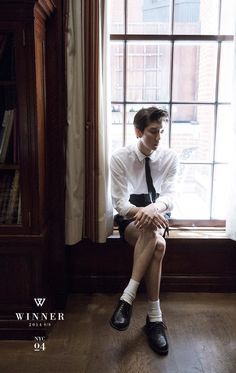"""WINNER Continues to Hype With Fourth Set of """"NYC Week"""" Photos Featuring Lee Seunghoon 