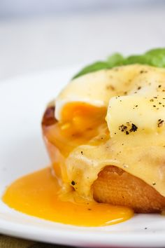 Eggs Benedict with Smoked Salmon | Udi's® Gluten Free Bread