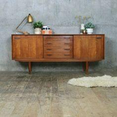 Clausen & Søn Danish Teak Sideboard / Media Cabinet   www.bocadolobo.com #bocadolobo #luxuryfurniture #exclusivedesign #interiodesign #designideas  #modernsideboard #sideboardideas #sideboard