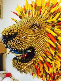 Por medio de balas de todos los tamaños Federico Uribe crea en su nueva serie de esculturas animales salvajes que nos sumergen en aires de reconciliación.