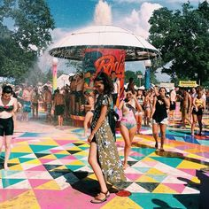 Make your music festival outfit pop from head to sole with styling tips from Dylana Suarez and new Teva Originals.
