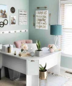 15 Awesome DIY Corner Desk Designs to Inspire You – Home office design layout Medical Office Interior, Office Interior Design, Office Interiors, Office Designs, Bureau Design, Gold Office Decor, Deco Studio, Home Office Space, Diy Décoration