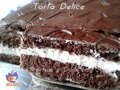 Una delizia al cioccolato. Torta ispirata alla famosa Kinder Delice. Ricetta semplice, realizzata in poco tempo, ideale per la merenda dei bambini, torta al cioccolato per la prima colazione