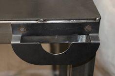 Cool Welding Projects, Welding Table Diy, Welded Metal Projects, Welding Cart, Welding Shop, Welding Tools, Metal Welding, Diy Tools, Welding Ideas