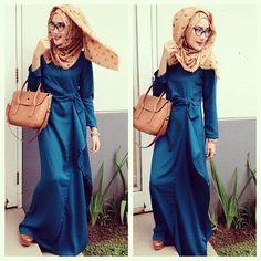 HIJABNESS- I really dig the blue dress