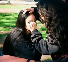 Chicano Love, Chicano Art, Estilo Chola, Chola Girl, Tupac Pictures, Cholo Style, Brown Pride, Vintage Soul, Bff Goals