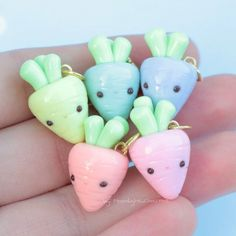 Rainbow carrots! These were inspired by Taylor's ( @amazin_crafts ) carrot! I think they're super cute! Sorry the photo is kinda bright, I tried to make it as clear as possible :) I hope you guys like and have a great day!!